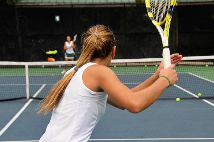 playing tennis 123