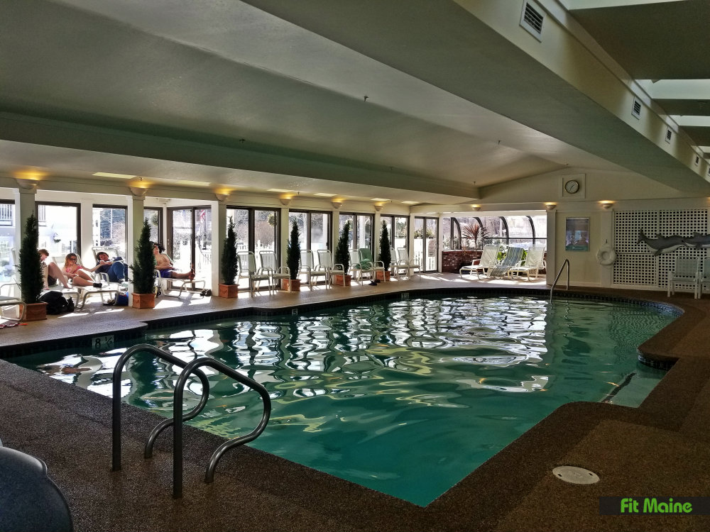 hotels in bangor maine with pool and hot tub