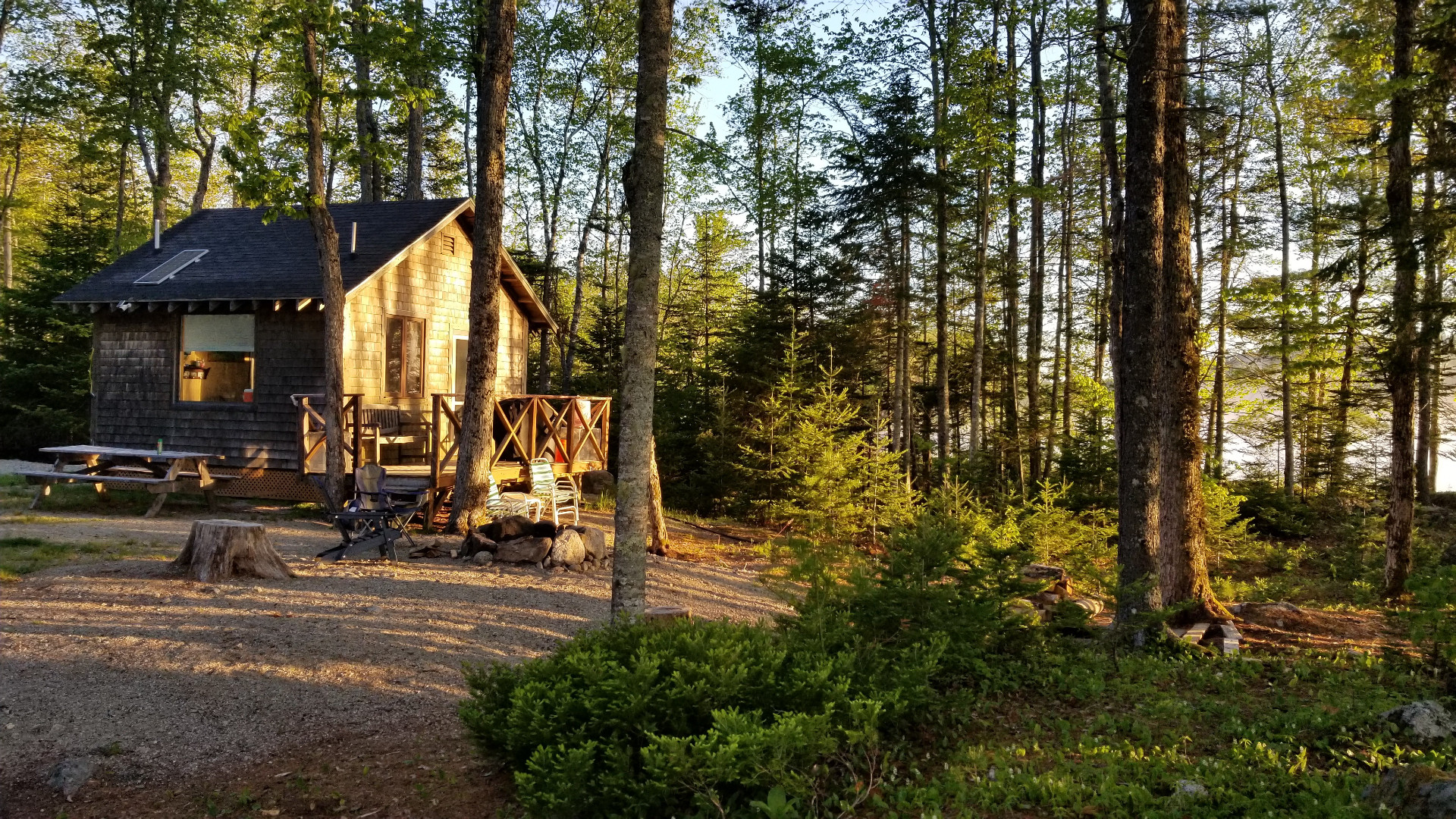 Away to Franklin: Off-the-grid cabin on Great Pond + lots of great hikes nearby