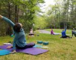 Outdoor workouts: Group exercise moves to the grass and asphalt
